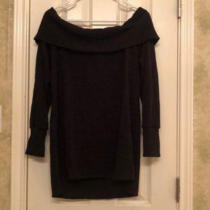 Black off shoulders 3/4 sleeve